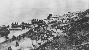Australian and New Zealand landing on the beaches of Gallipoli in 1915.