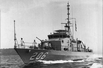 HMAS Wollongong.