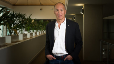 Brain surgeon Dr Charlie Teo has defended himself after accusations of charging excessive fees for risky surgeries.