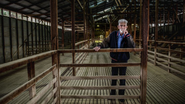 Des de Belle, 90, one of the last shearers at the Yarralumla Woolshed.