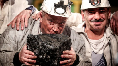 Kiss of life: Biggest coal miners geared for growth, elevating climate risks, report
