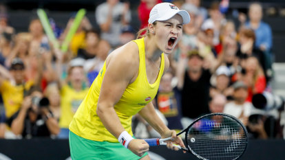 'She loves the pressure': No limits for Barty, says Molik