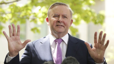 """Opposition Leader Anthony Albanese has written to Prime Minister Scott Morrison, suggesting a 15-member """"drought cabinet""""."""
