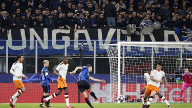 The first leg of Atalanta's Champions League clash with Valencia was played in front of fans at the San Siro.