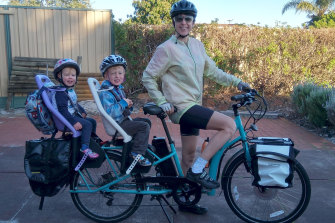 Natasha Hurley-Walker has no trouble managing two children, work, and using her cargo bike as a primary mode of transport.