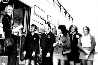 """Bob Grant, another star of 'On the Buses' visits Sydney's Waverley bus depot in 1973 meeting drivers and """"conductresses""""."""