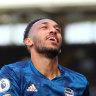 Arsenal thrash hapless Fulham in EPL season opener
