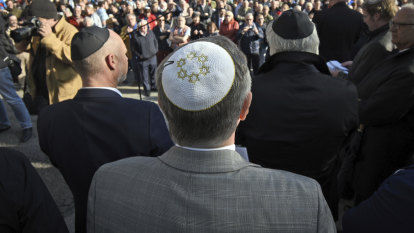 German official cautions Jews not to wear skullcaps