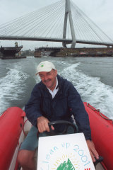 In 1998, Ian Kiernan announced he would patrol the harbour, monitoring its cleanliness.