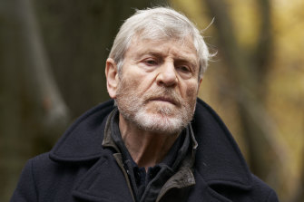 French-Turkish actor Tcheky Karyo plays Julian Baptiste, a detective who specialises in finding missing people.