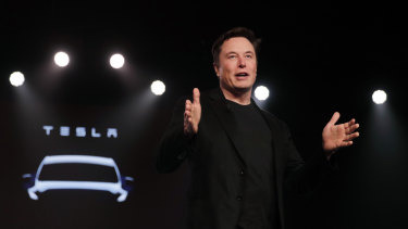Tesla CEO Elon Musk is struggling to prove that building and selling electric cars can be a sustainably profitable business.