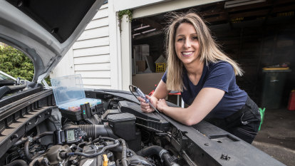 'Great career and income': Why Fiona wants more girls to pick a trade over university