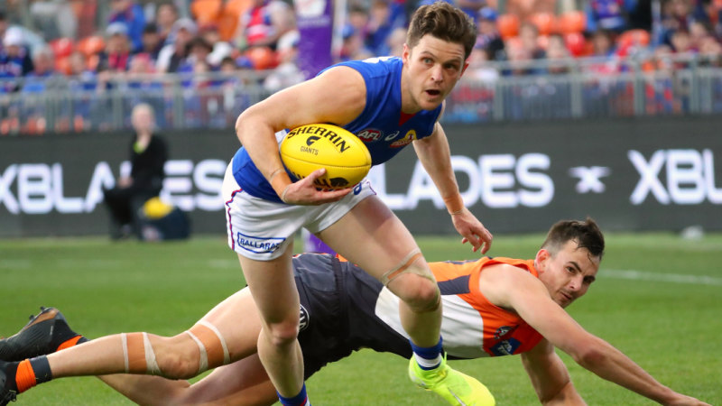 Bulldogs bite down on eighth spot after the Giants surrender