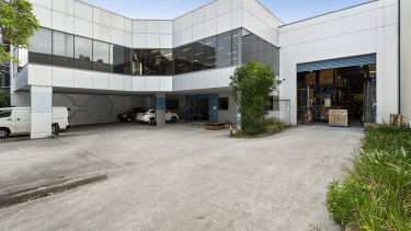 13 Chaplin Drive, Lane Cove has been sold by Quality Fresh Fruit Export Pty Ltd.