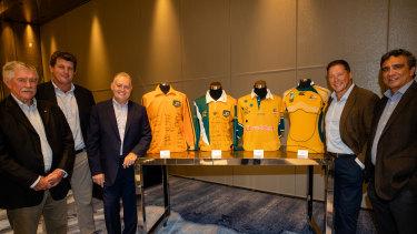 (L-R) Bob Dwyer, Tim Gavin, David Campese, Phil Kearns and Gary Ella pose with vintage Wallabies jerseys.