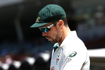Travis Head has been dropped from Cricket Australia's national contract list.