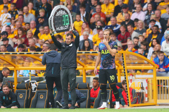 Harry Kane comes on for Spurs.