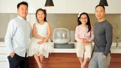 Perth dads' sleep-deprived baby bottle idea gets $81k crowdfunding kick-start in just 10 days