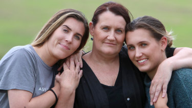 Rhonda Murray and her daughters Annie and Cassie.