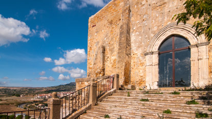 Sicilian town offers fresh chance to snap up house for €1