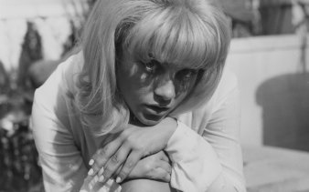 Sue Lyon, known for her work in Stanley Kubrick's Lolita, at the Dorchester Hotel in London, 1962.