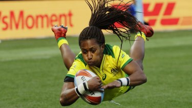 Ellia Green has turned her back on the Broncos to join the Warriors.