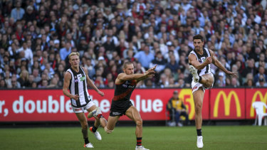 Collingwood captain Scott Pendlebury  maintained his preternatural calm and one-touch ball handling.