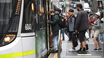 The worst train and tram routes for mask wearing