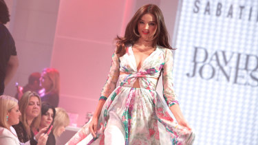 Miranda Kerr walking for David Jones in 2012.