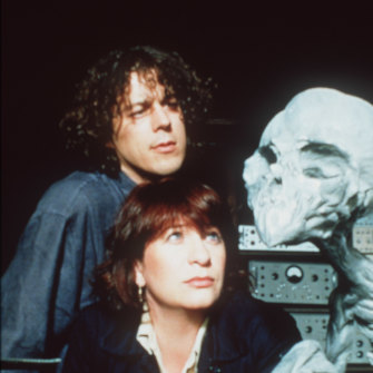 Alan Davies and Caroline Quentin in the popular TV series Jonathan Creek.