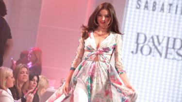 Miranda Kerr walking for David Jones in 2012.