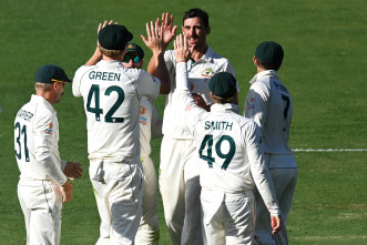 Starc injury scare adds late twist as series goes down to wire