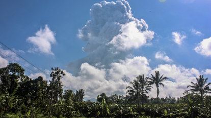 Indonesian volcano spews ash in eruption