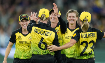 Meg Lanning's Australian team will turn out in Brisbane for the first time since winning the World Cup.
