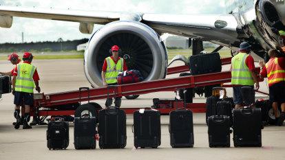 Summer flights stranded as aviation staff shortages loom