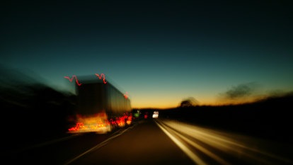 'Thousands' of truckies entering Victoria from NSW without permits