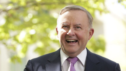 Labor union split widens as Albanese goes after steelworkers