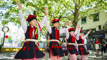 Polish dance troupe Wielkopolska will perform at the event.