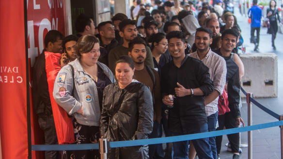 $2.5 billion spent in a day: Shoppers hunt for bargains on Boxing Day