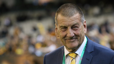 Jeff Kennett says he will decide on his Hawthorn post in August.