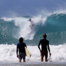 Gold Coast's erosion-prone Palm Beach gets artificial reef protection