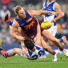 As it happened: Lions pip Kangas amid controversy, GWS smash Magpies