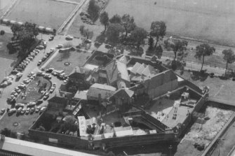 An aerial view of Bendigo Prison in 1987.