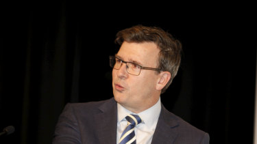 Alan Tudge wants more refugees to be settled in regional areas.