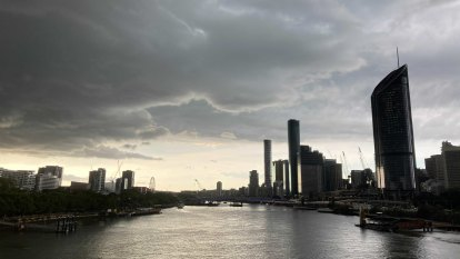 Severe thunderstorms hit south-east Qld: 73mm in 30 minutes