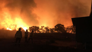 Matthew Hulse's RFS crew fighting a fire during the Black Summer.