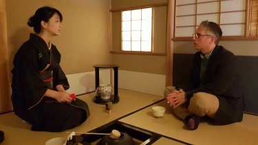 The reporter is guided through the tea ceremony or chanoyu in Kyoto.