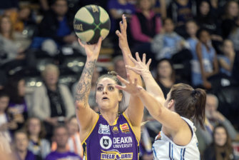 Cayla George stuffed the stat sheet as the Boomers held off Bendigo.