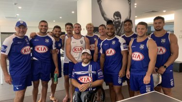 Role model: Kurt Fearnley with Dean Pay and Canterbury players before their first round match against the Warriors.