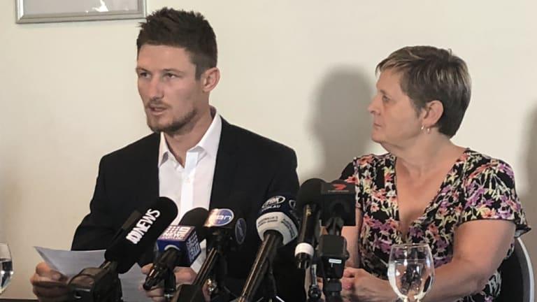 Matthews with WA batsman Cameron Bancroft at a WACA press conference after the ball-tampering scandal.
